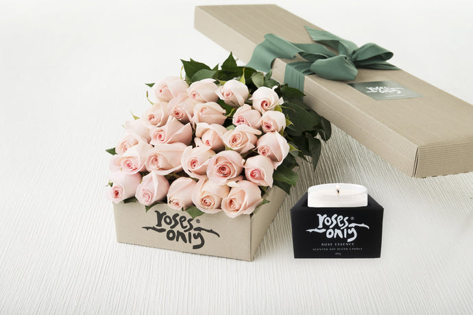24 Pastel Pink Roses Gift Box & Scented Candle