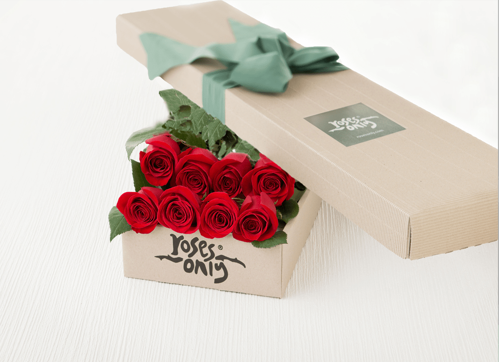 8 Red Roses Gift Box