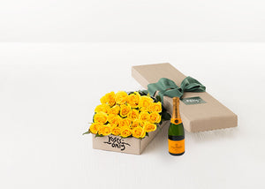 21 Yellow Roses Gift Box & Champagne