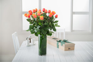 CHERRY BRANDY ROSES GIFT BOX WITH VASE