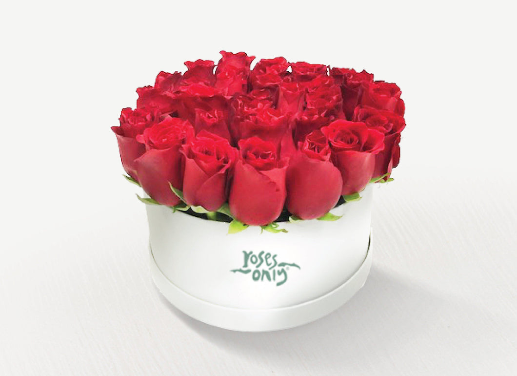 24 Red Roses in a Hat Box