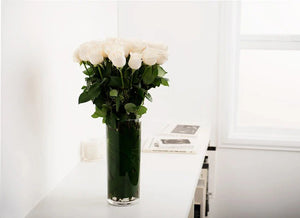 WHITE CREAM ROSES GIFT BOX WITH VASE