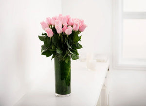 PASTEL PINK ROSES GIFT BOX WITH VASE