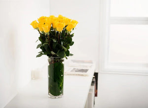 YELLOW ROSES GIFT BOX WITH VASE