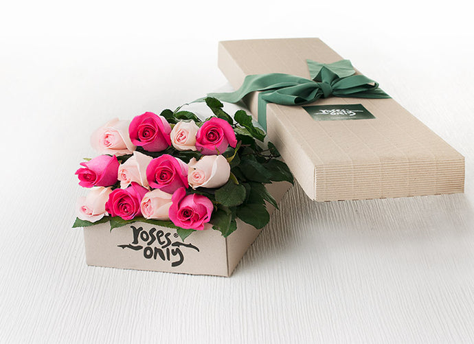 12 Mixed Pastel Pink and Bright Pink Roses Gift Box
