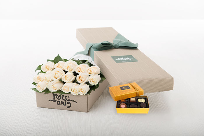 White Cream Roses Gift Box 16 & Chocolates