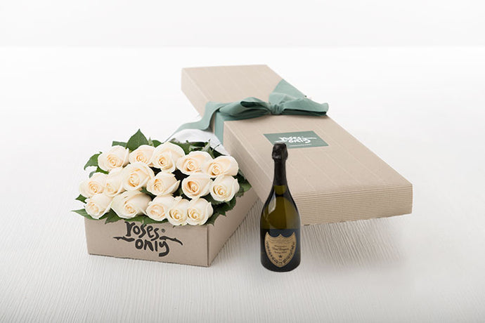 16 White Cream Roses Gift Box & Champagne