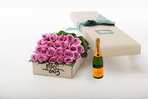 Mauve Roses Gift Box 21 & Champagne