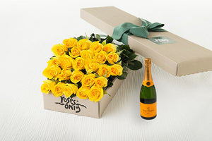 Yellow Roses Gift Box 25 & Champagne
