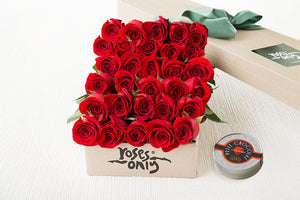 30 RED ROSES GIFT BOX &  LETAO PETIT CHOCOLATE
