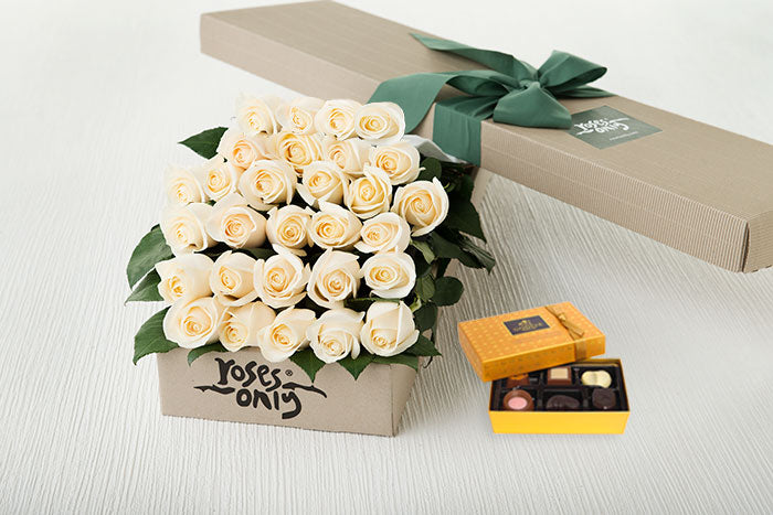 30 White Cream Roses Gift Box & Chocolates