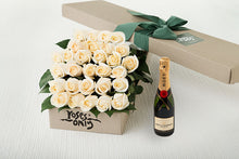 30 White Cream Roses Gift Box & Champagne