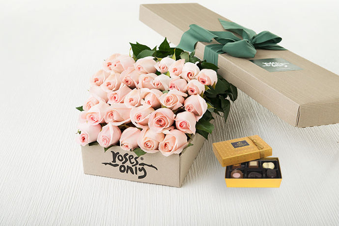 30 Pastel Pink Roses Gift Box &  Chocolates