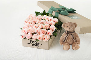 30 Pastel Pink Roses Gift Box & Teddy Bear