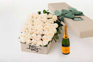 40 White Cream Roses Gift Box & Champagne