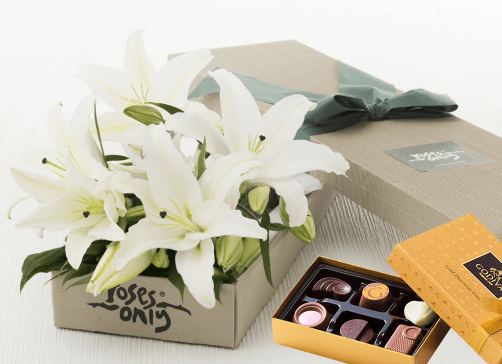 Mother's Day 8 WHITE LILIES GIFT BOX & Godiva Chocolates (6 PCs)