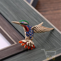 Cute hummingbird brooch - WikiWii
