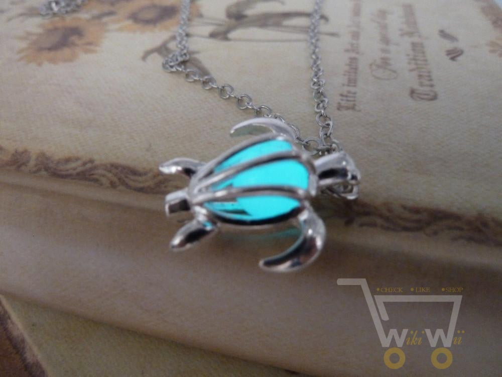 Glowing Sea Turtle Necklace - WikiWii