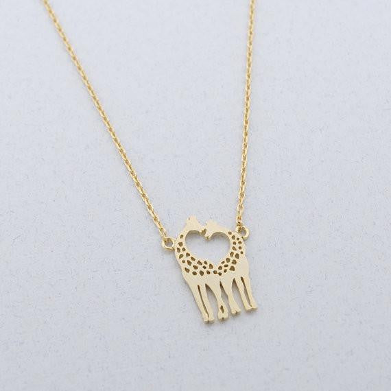 Loving Giraffes Necklace - WikiWii