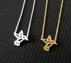 Silver / Gold Plated Cute Tiny Hummingbird Necklace - WikiWii