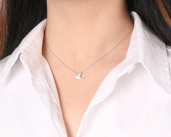 Tiny Flying Hummingbird Necklace - WikiWii