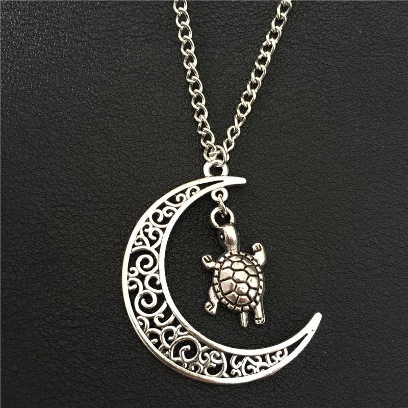 Vintage Silver Hollow Moon Tortoise Necklace - WikiWii