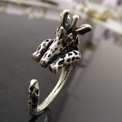 vintage silver/bronze plated giraffe Ring - WikiWii
