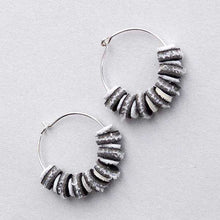 Magpies (Plain Hoops)