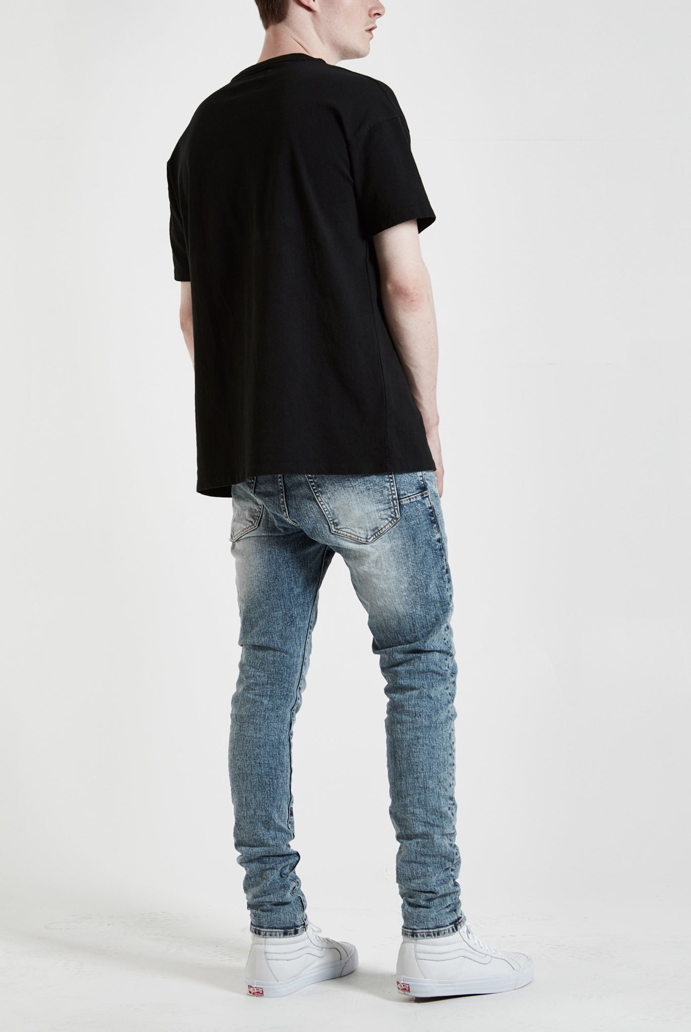 P001 LOW RISE WITH SLIM LEG - Stoned Acid Wash