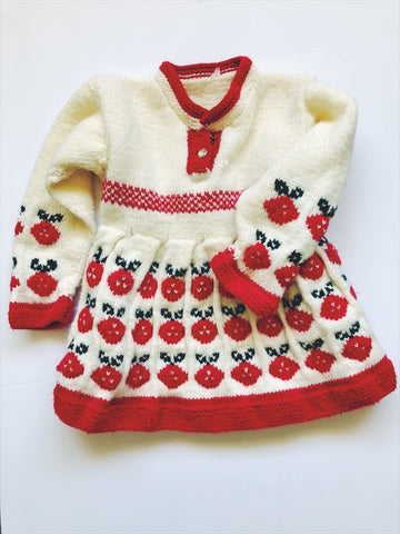 Thick woollen hand-knit dress 2/3 years