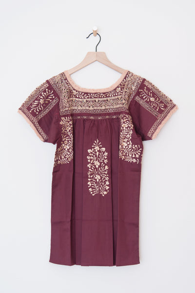 Lujoso Maroon and Gold Top
