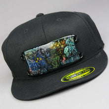 Load image into Gallery viewer, DRAKKEN Glass /SIO2 Frog King Hand blown Glass Plate on Hat