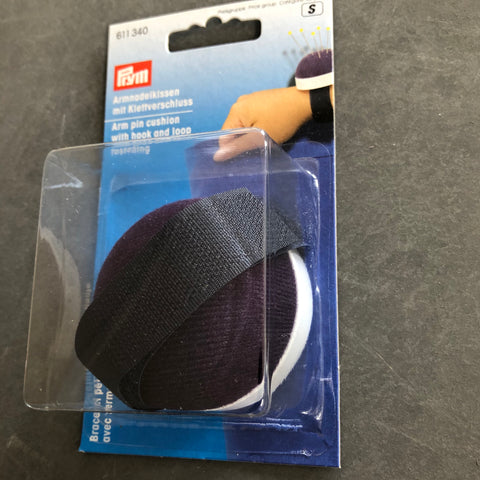 Prym  Wrist Pincushion with hook and loop strap