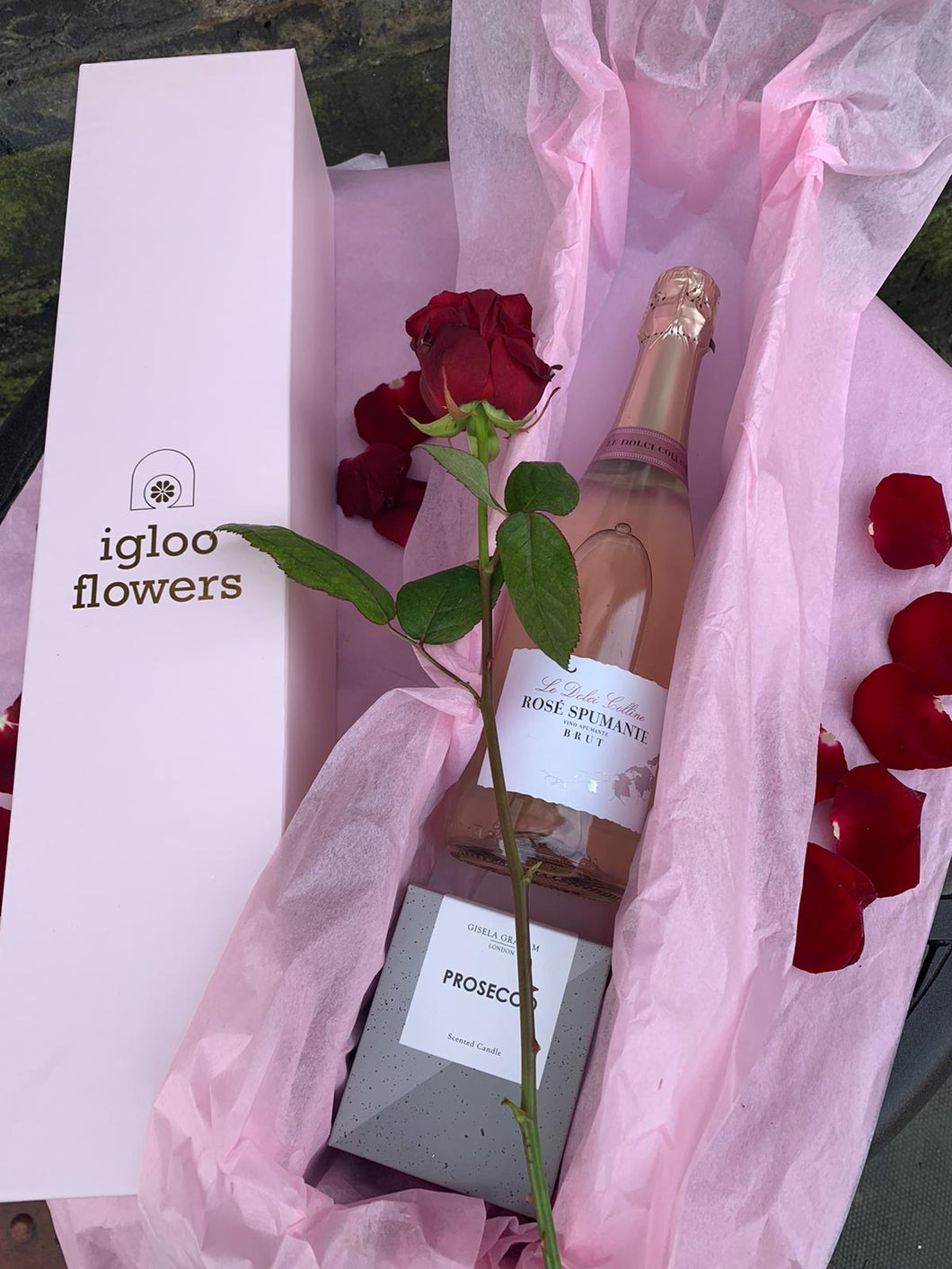 Single rose with Sparkling Rosé and scented candle in presentation box