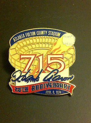 MLB HANK AARON 715 HOME RUNS COMMEMORATIVE LAPEL PIN, CIRCA 1999, FULTON COUNTY STADIUM