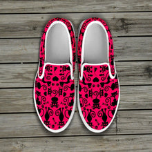 Load image into Gallery viewer, Cats Pink Slip Ons