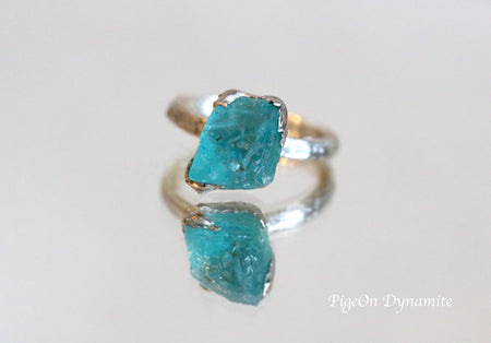 Raw apatite solitaire ring