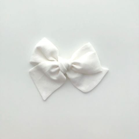 White // Oversized Hand-tied Bow