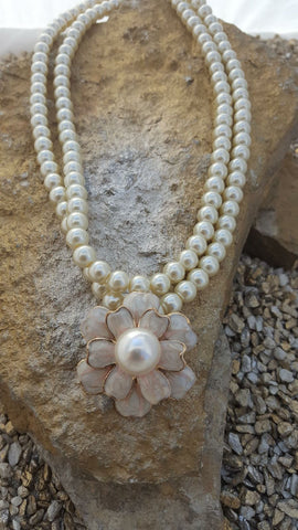 Georgia Pearl Flower Necklace