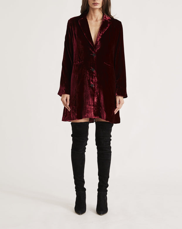 THE SHIRLEY HOLMES COAT in RED WINE