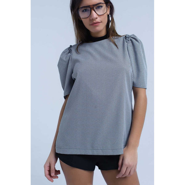 Black pique top with short sleeve