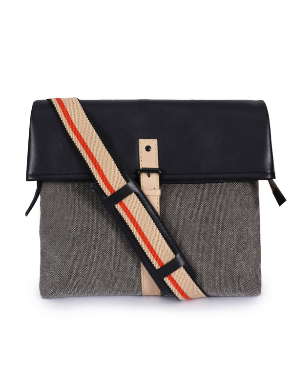 Phive Rivers Men's Leather and Canvas Multicolor Messenger Bag