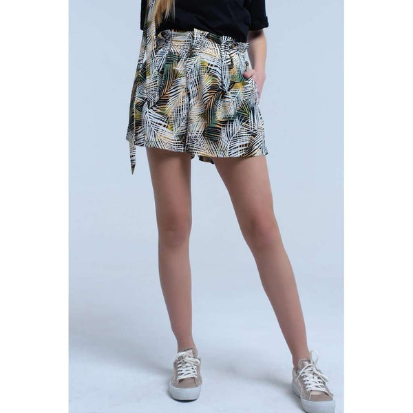 Short pants with belt and leaf print