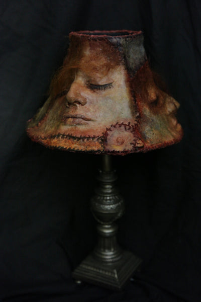 Ed Gein Inspired - Lamp medium Vintage