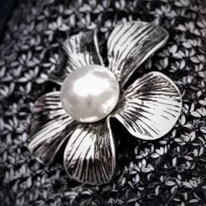 Flower Pearl Magnetic Brooch - QB's Magnetic Creations