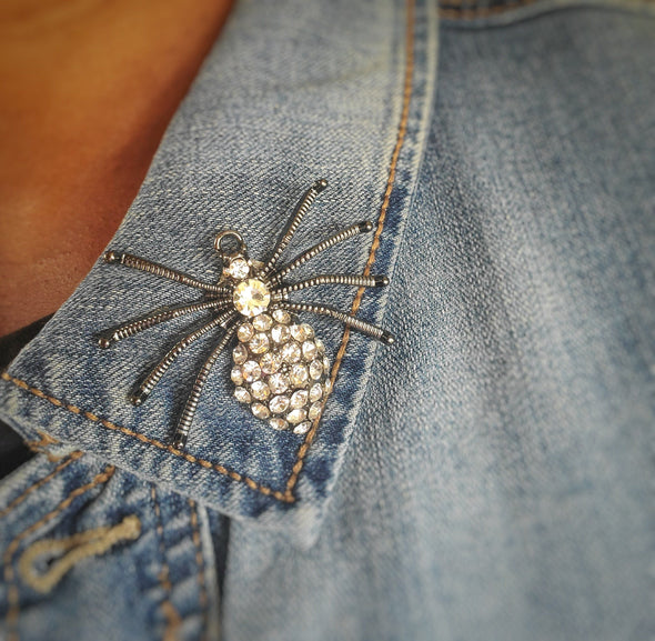 Black Crystal Spider Magnetic Brooch - QB's Magnetic Jewelry Creations