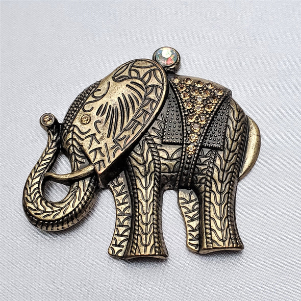 Gold Elephant Magnetic Brooch - QB's Magnetic Jewelry Creations