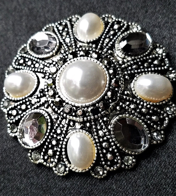Pearl Stone Magnetic Brooch - QB's Magnetic Jewelry Creations