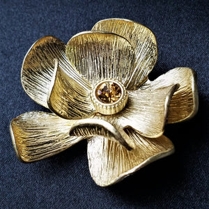 Gold Vintage Magnetic Brooch - QB's Magnetic Creations