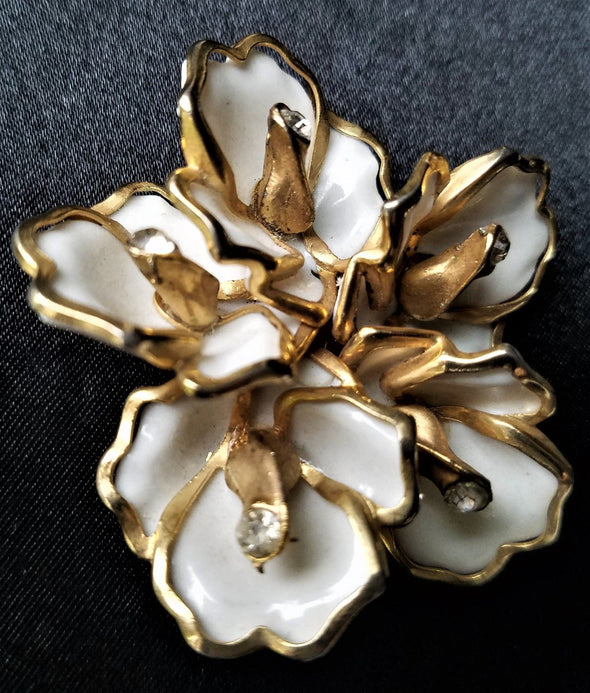Gold and Cream Vintage Magnetic Brooch - QB's Magnetic Jewelry Creations